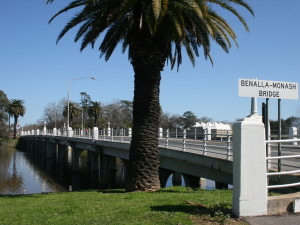 A stately sort of bridge over the Broken River.